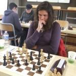 Célia dubitative sur sa position.